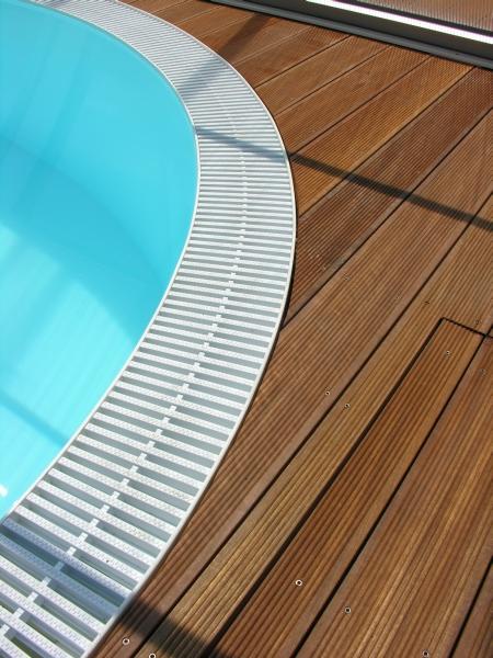 berlaufrinnen roste schwimmbad und saunen. Black Bedroom Furniture Sets. Home Design Ideas