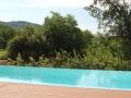 Pool mit Wasservorhang