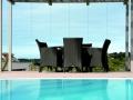 Überlauf-Schwimmbecken